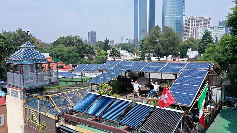 Margrit & Manuel desde las instalaciones, fotovoltaicas, hot pipes o termosifones bifásicos, depósitos y controles de agua caliente sanitaria.